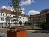 Sonntagfrüh-in-der-Bahnhofstrasse-II-Amtsgericht